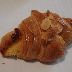 croissant-aux-amandes